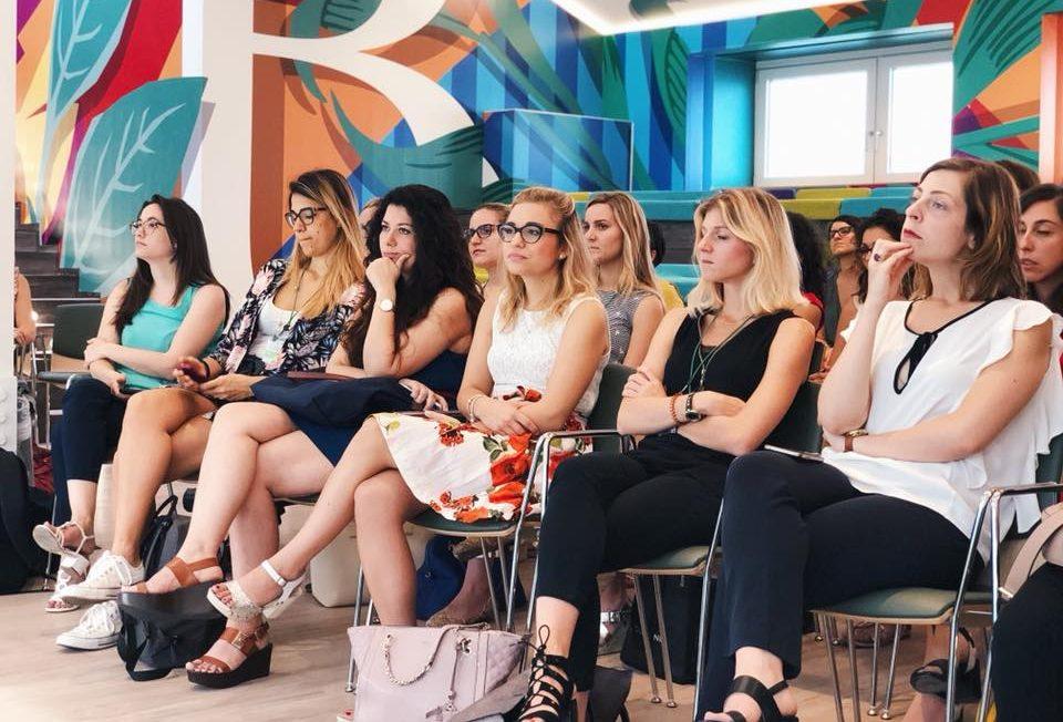 Capo Donne Semi Umane.Young Women Network Empowerment Giovani Donne